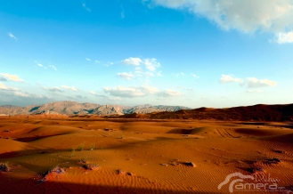 Sand, Mountain and sky - [ 1/100s - f/10.0 - ISO:100 ]
