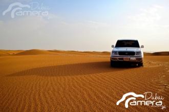 Toyota land Crusier Desert-landscape